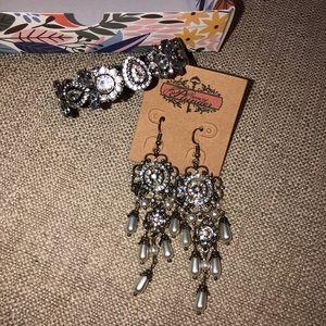 Plunder Design bracelet & earrings set